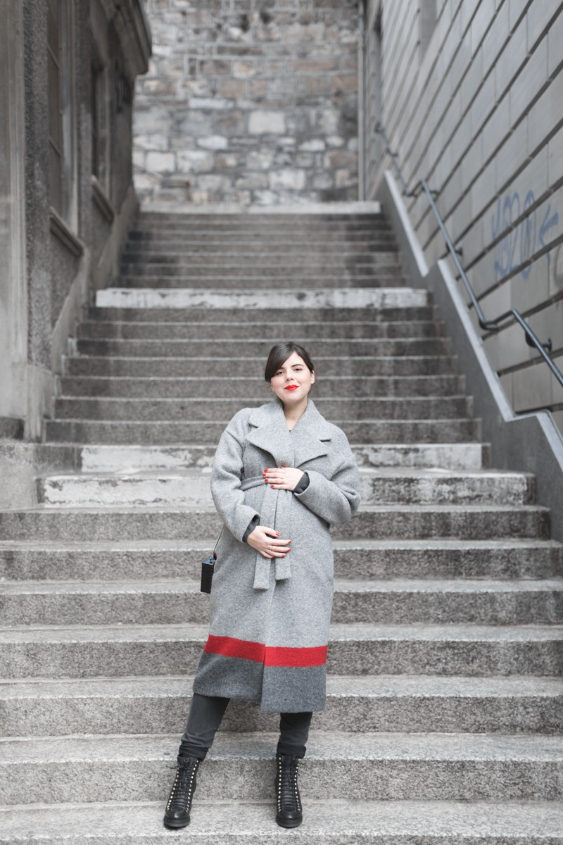 ikks manteau ligne rouge karl over the world postcard clutch photo credit paulinefashionblog.com 2 800x1200 With love from Karl