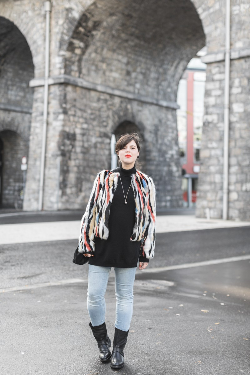 marc o polo turtle neck multi color faux fur sezane clark sac photo credit paulinefashionblog.com 1 2 800x1200 furry ball