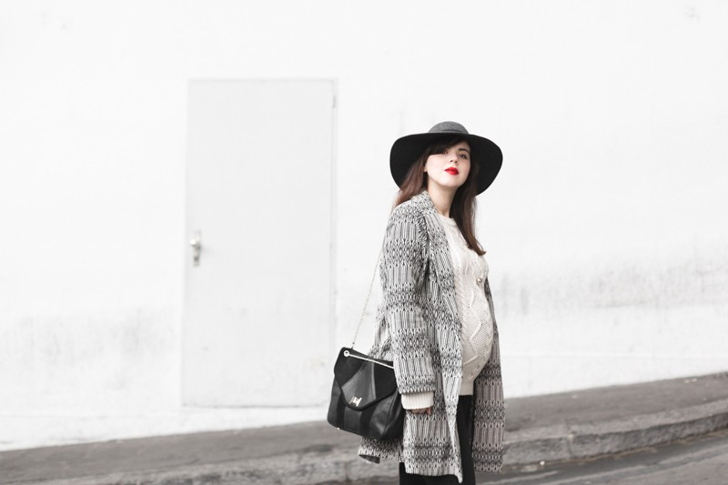 marcopolo hat manteau bash paris bionda castana flats sac sezane photo credit paulinefashionblog.com 4 800x533 Black & White