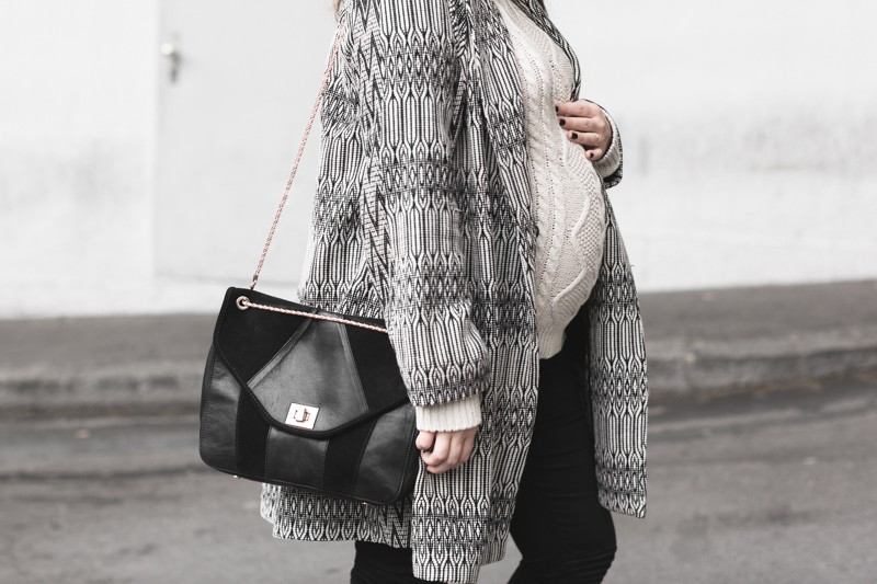 marcopolo hat manteau bash paris bionda castana flats sac sezane photo credit paulinefashionblog.com 7 800x533 Black & White