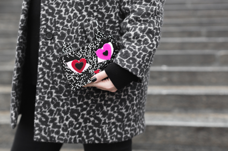 look choupette in love karl lagerfeld meow luisaviaroma shoes kenzo eyes - photo credit paulinefashionblog.com-7