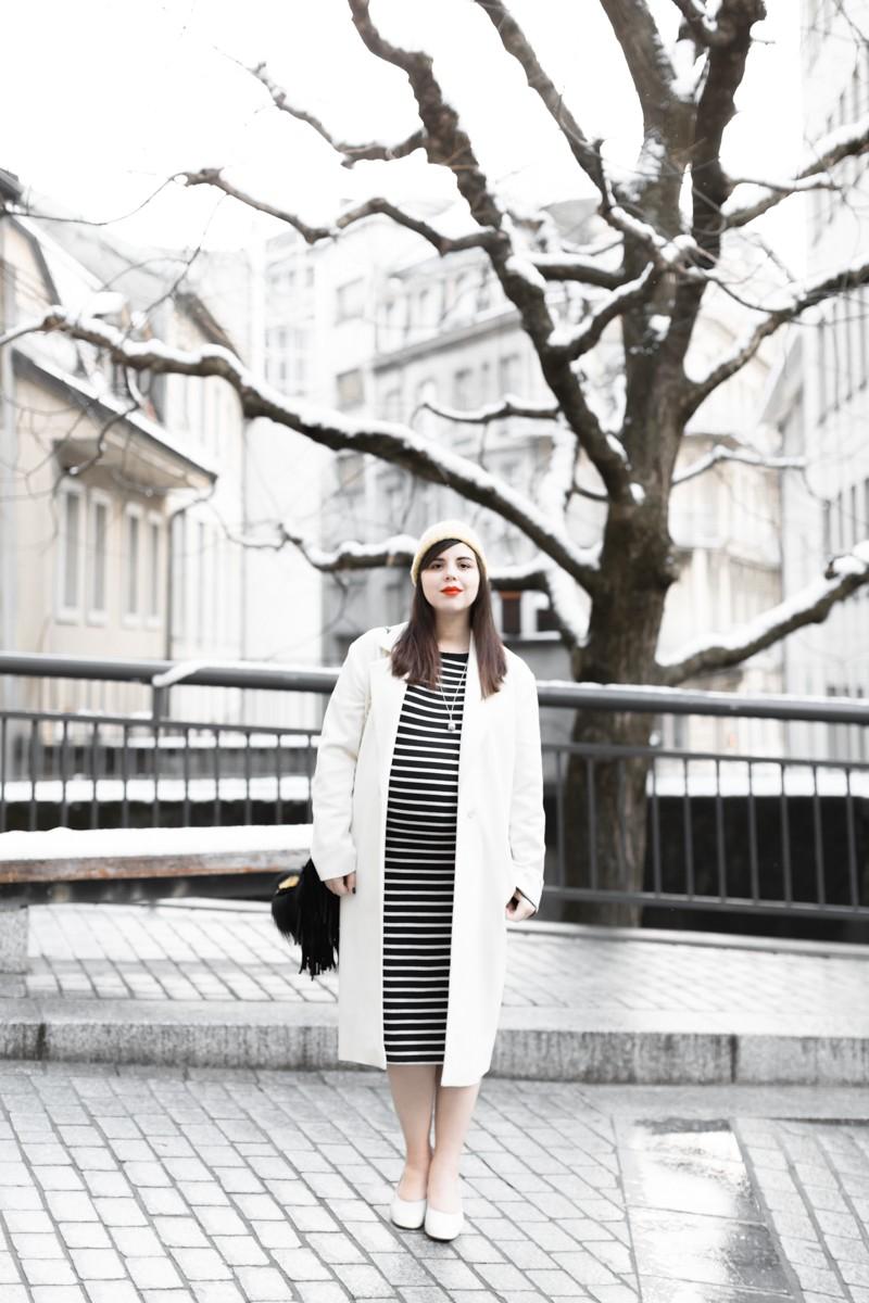 look grossesse robe mariniere fendi bug mode femme enceinte - copyright Pauline paulinefashionblog.com-1