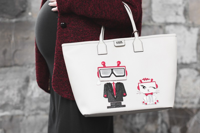 look not so far karl lagerfeld karl robot choupette - copyright Pauline paulinefashionblog.com-1