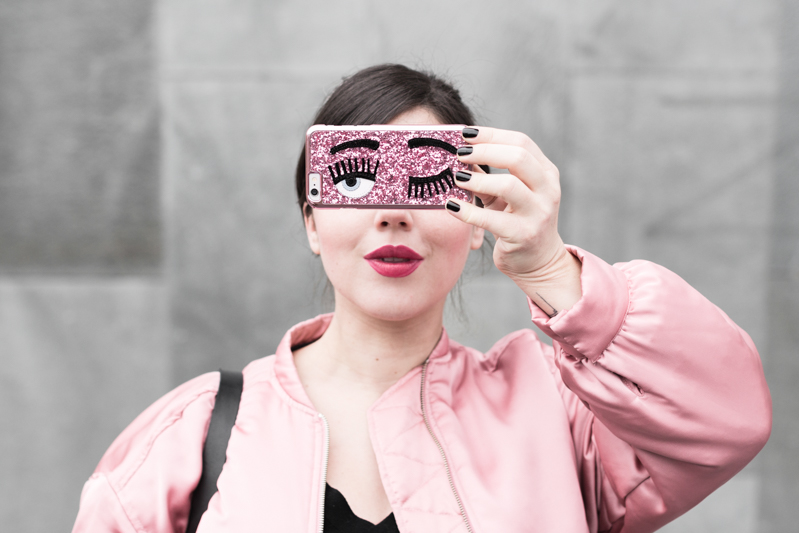 la vie en rose pink satin bomber mango eyes iphone case chiara ferragni sac claude sezane jonak make my lemonade - copyright Pauline paulinefashionblog.com-4