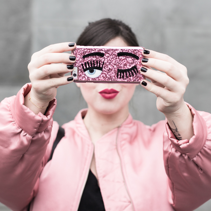 la vie en rose pink satin bomber mango eyes iphone case chiara ferragni sac claude sezane jonak make my lemonade - copyright Pauline paulinefashionblog.com-5