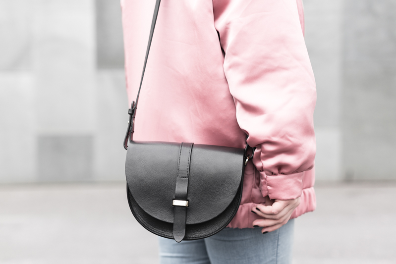 la vie en rose pink satin bomber mango eyes iphone case chiara ferragni sac claude sezane jonak make my lemonade - copyright Pauline paulinefashionblog.com-7