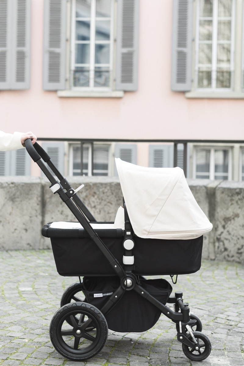 mother fashionblogger baby stroller bugaboo cameleon copyright Pauline paulinefashionblog.com 1 800x1200 Strolling around...