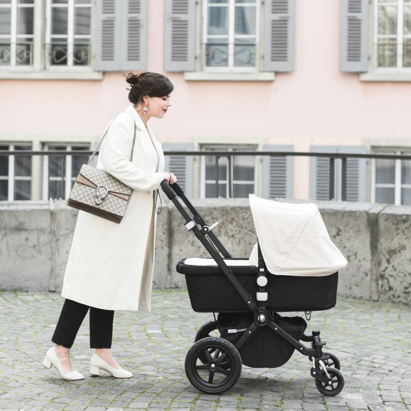 mother fashionblogger baby stroller bugaboo cameleon copyright Pauline paulinefashionblog.com 4 800x800 Strolling around...