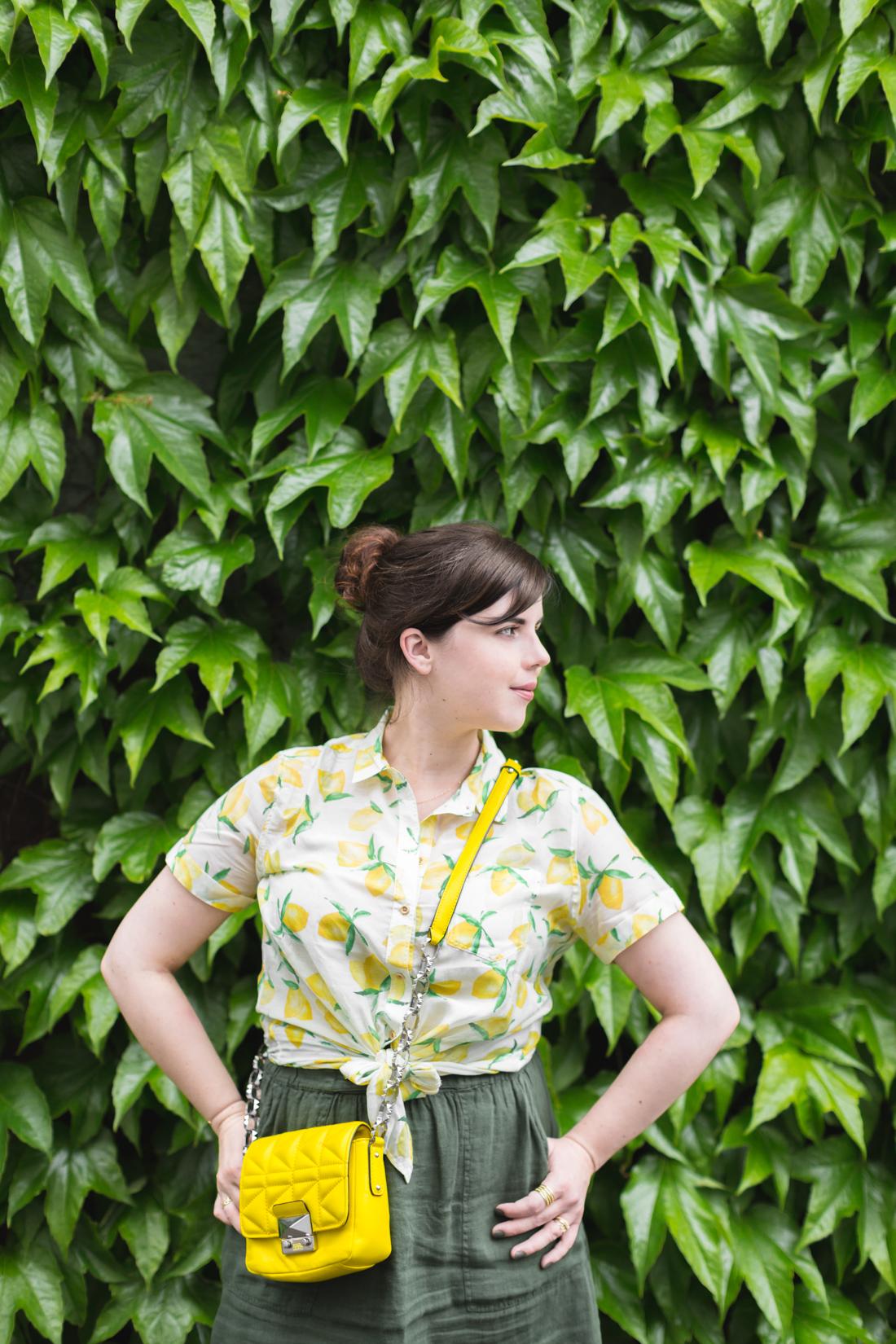 1100 chemise espadrilles imprime citrons sezane - copyright Pauline paulinefashionblog.com-11