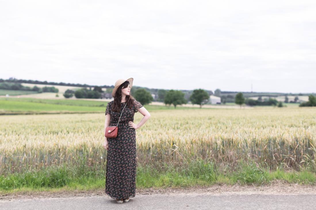 sezane paris sac clark robe fleurie espadrilles look boheme champetre - copyright Pauline paulinefashionblog.com-5