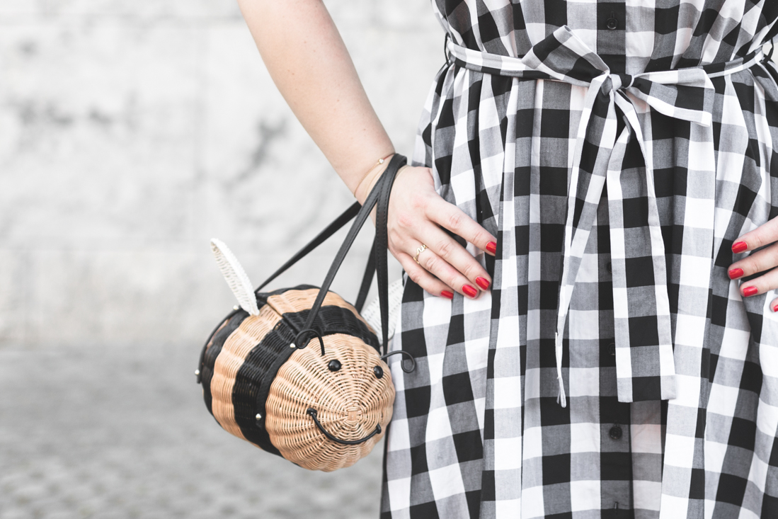 1100 gingham dress kate spade new york bumble bee bag credit Pauline paulinefashionblog.com 10 Bumble Bee