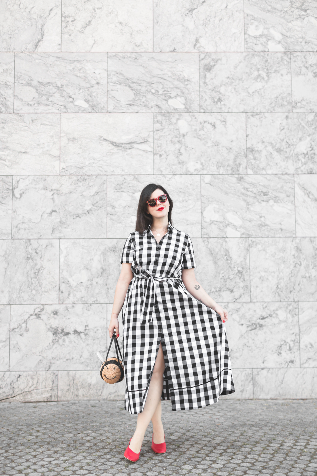 1100 gingham dress kate spade new york bumble bee bag credit Pauline paulinefashionblog.com 4 Bumble Bee