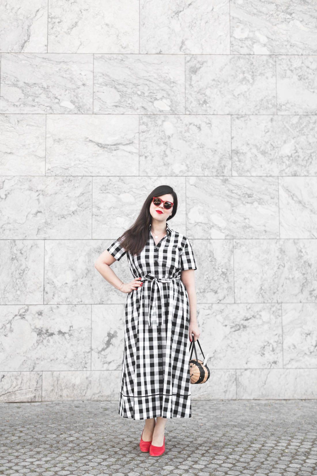 1100 gingham dress kate spade new york bumble bee bag - credit Pauline paulinefashionblog.com-5