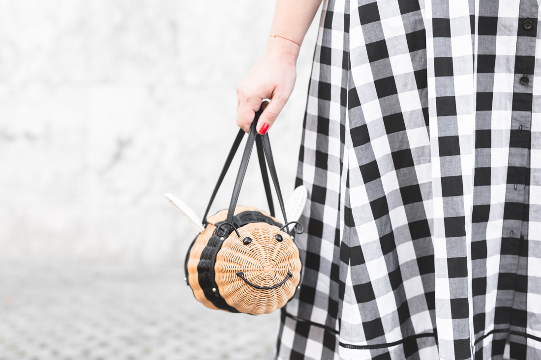 1100 gingham dress kate spade new york bumble bee bag - credit Pauline paulinefashionblog.com-8