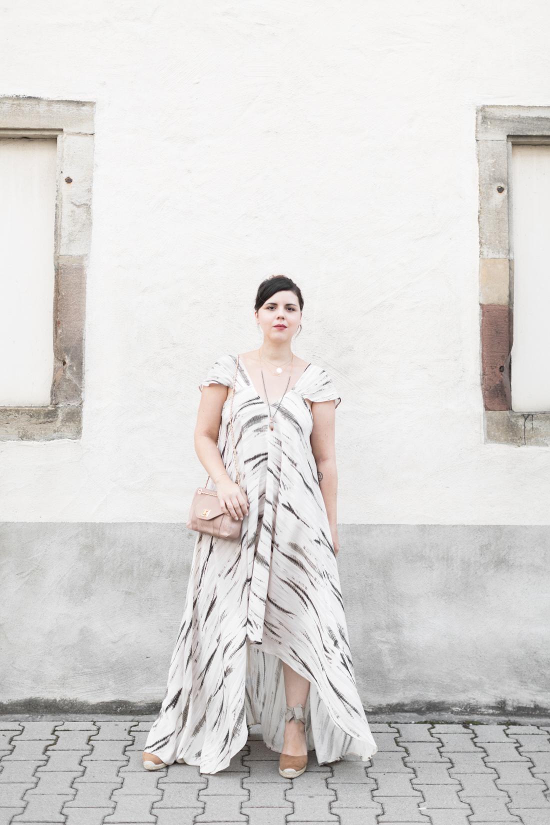 1100 robe louizon collier Elise Tsikis sac espadrilles sezane credit Pauline paulinefashionblog.com 4 Robe Tie & Dye, espadrilles et errances capillaires