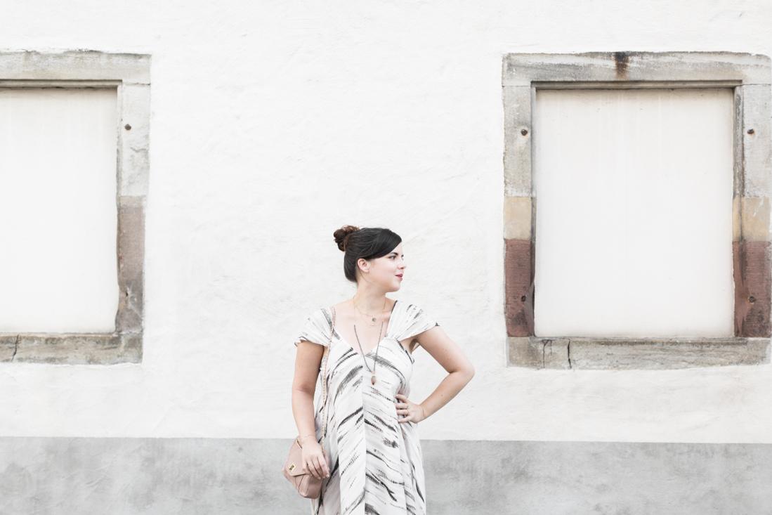 1100 robe louizon collier Elise Tsikis sac espadrilles sezane credit Pauline paulinefashionblog.com 8 Robe Tie & Dye, espadrilles et errances capillaires