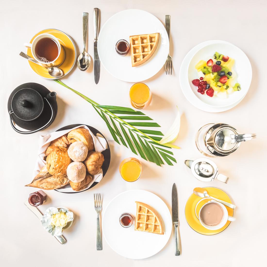 petit-dejeuner-breakfast-room-service-park-hyatt-paris-vendome-copyright-pauline-paulinefashionblog-com-1-2