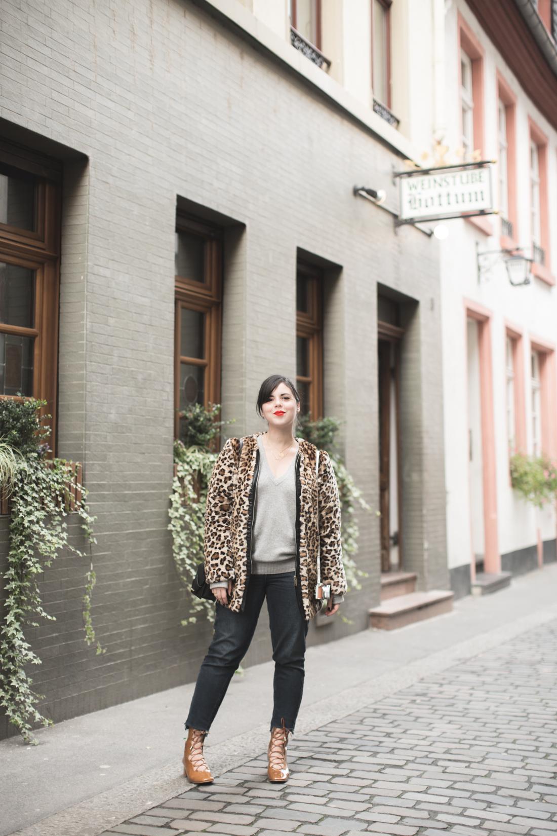 manteau_moumoute_leopard_tissaia_de_e_leclerc_copyright_pauline_fashionblog_blog_mode-5