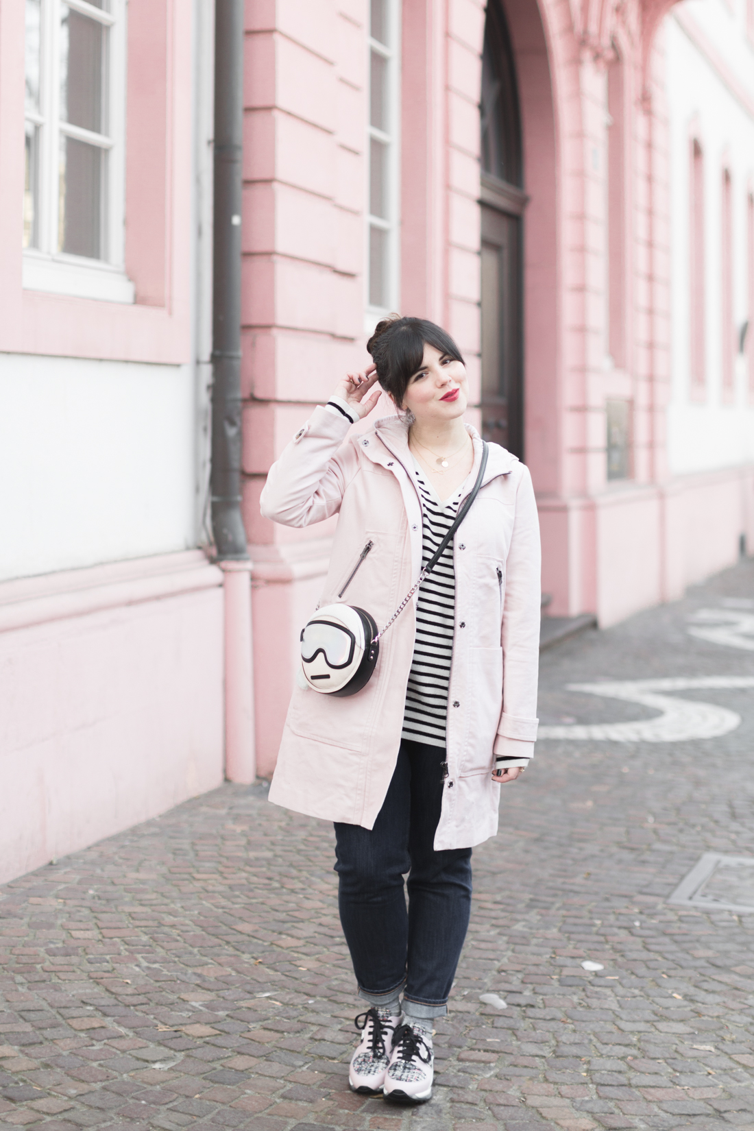 boden_pink_coat_striped_cashmere_kar_lagerfeld_holiday_copyright_pauline_paulinefashionblog_com-1
