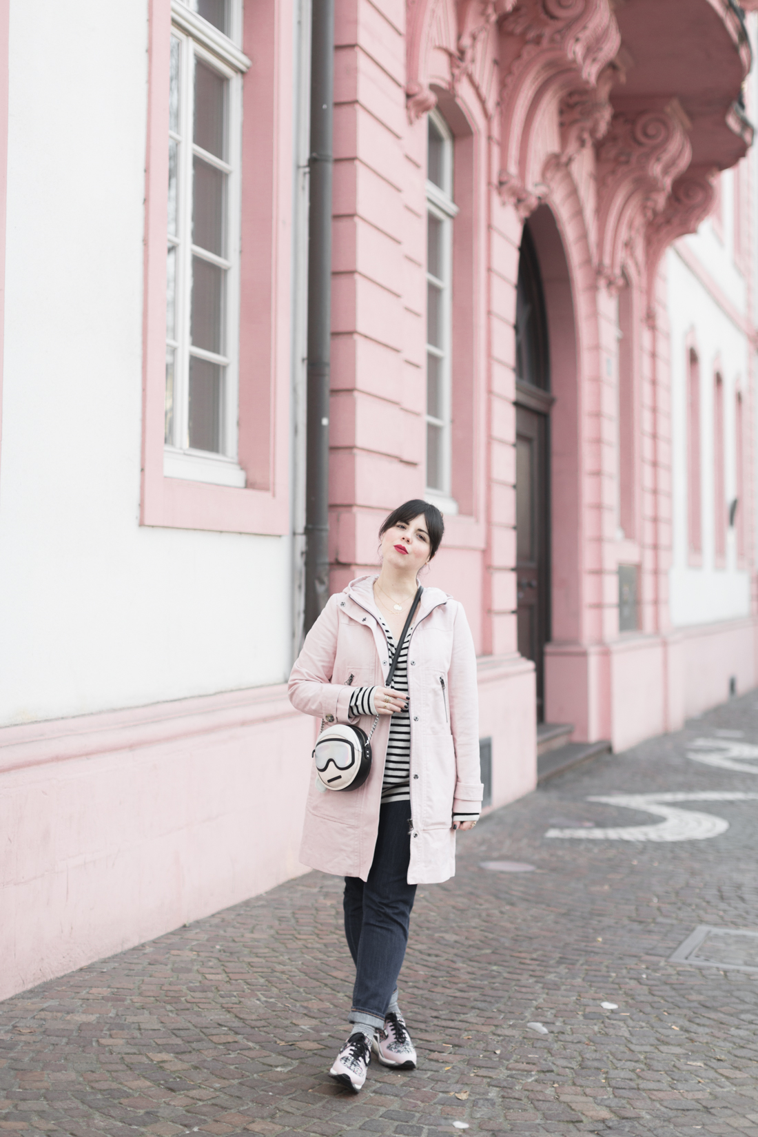 boden_pink_coat_striped_cashmere_kar_lagerfeld_holiday_copyright_pauline_paulinefashionblog_com-2