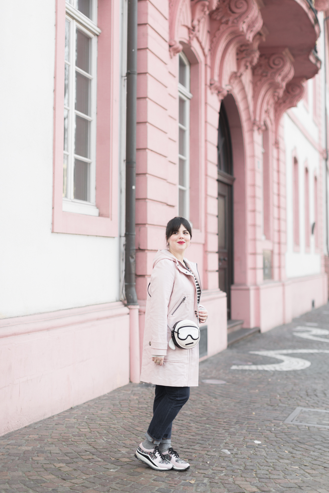 boden_pink_coat_striped_cashmere_kar_lagerfeld_holiday_copyright_pauline_paulinefashionblog_com-3