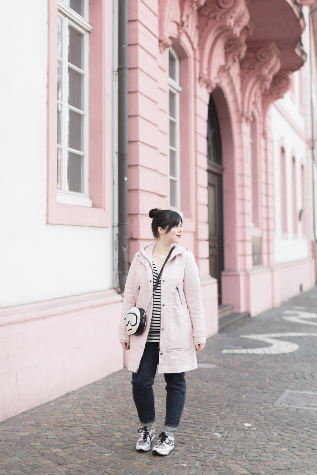 boden_pink_coat_striped_cashmere_kar_lagerfeld_holiday_copyright_pauline_paulinefashionblog_com-4