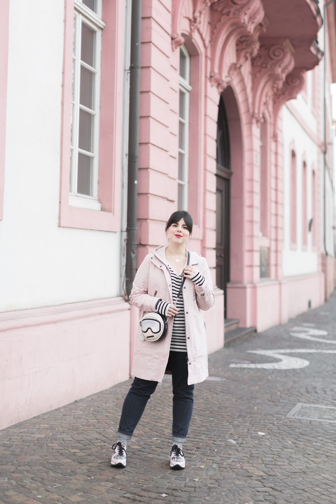 boden_pink_coat_striped_cashmere_kar_lagerfeld_holiday_copyright_pauline_paulinefashionblog_com-5