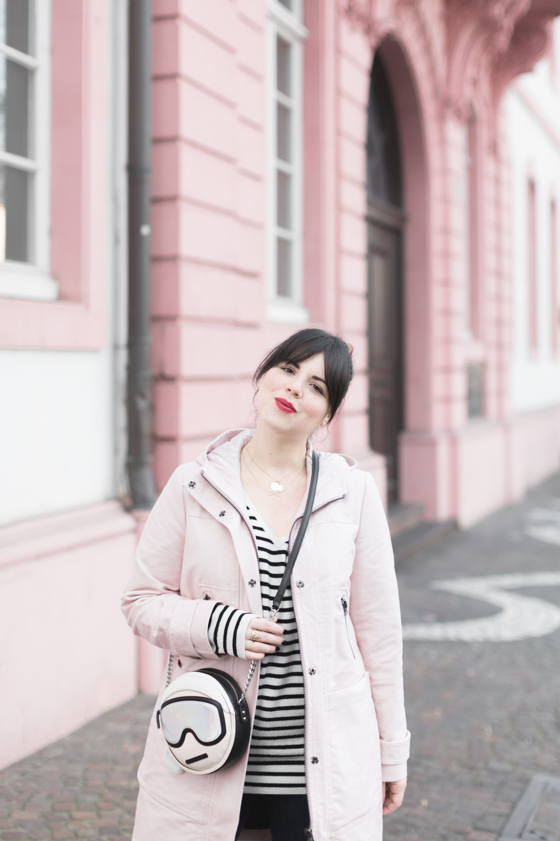 boden_pink_coat_striped_cashmere_kar_lagerfeld_holiday_copyright_pauline_paulinefashionblog_com-7