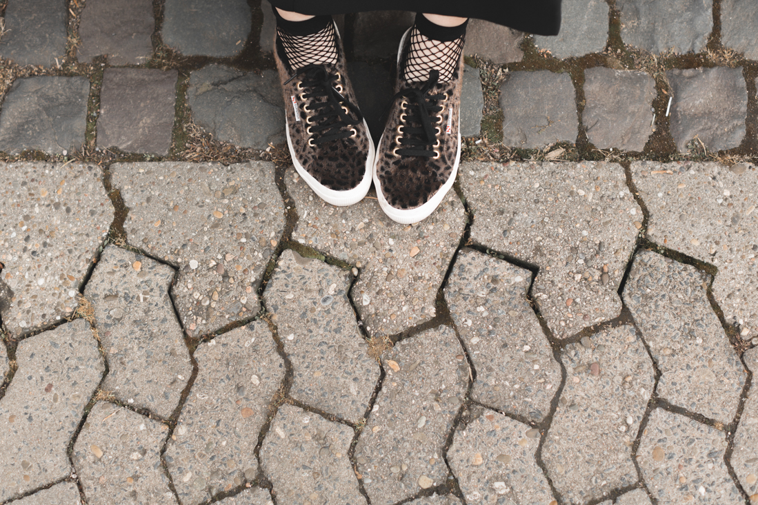 dress_sequins_tiger_and_other_stories_superga_animal_print_copyright_Pauline_paulinefashionblog_com-11