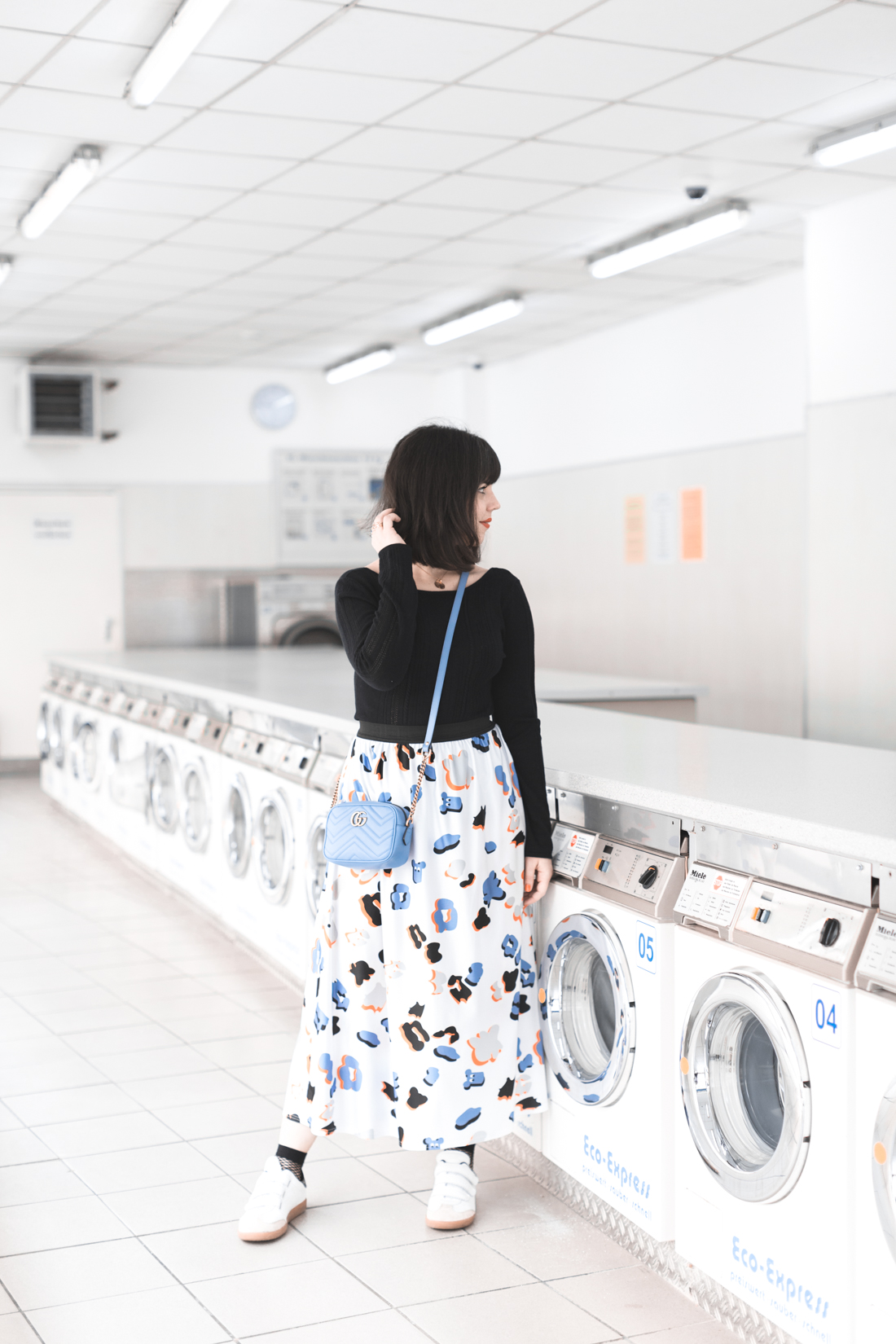 ariel_giles_deacon_blogger_laundromat_photoshoot_copyright_Pauline_Privez_paulinefashionblog_com-1