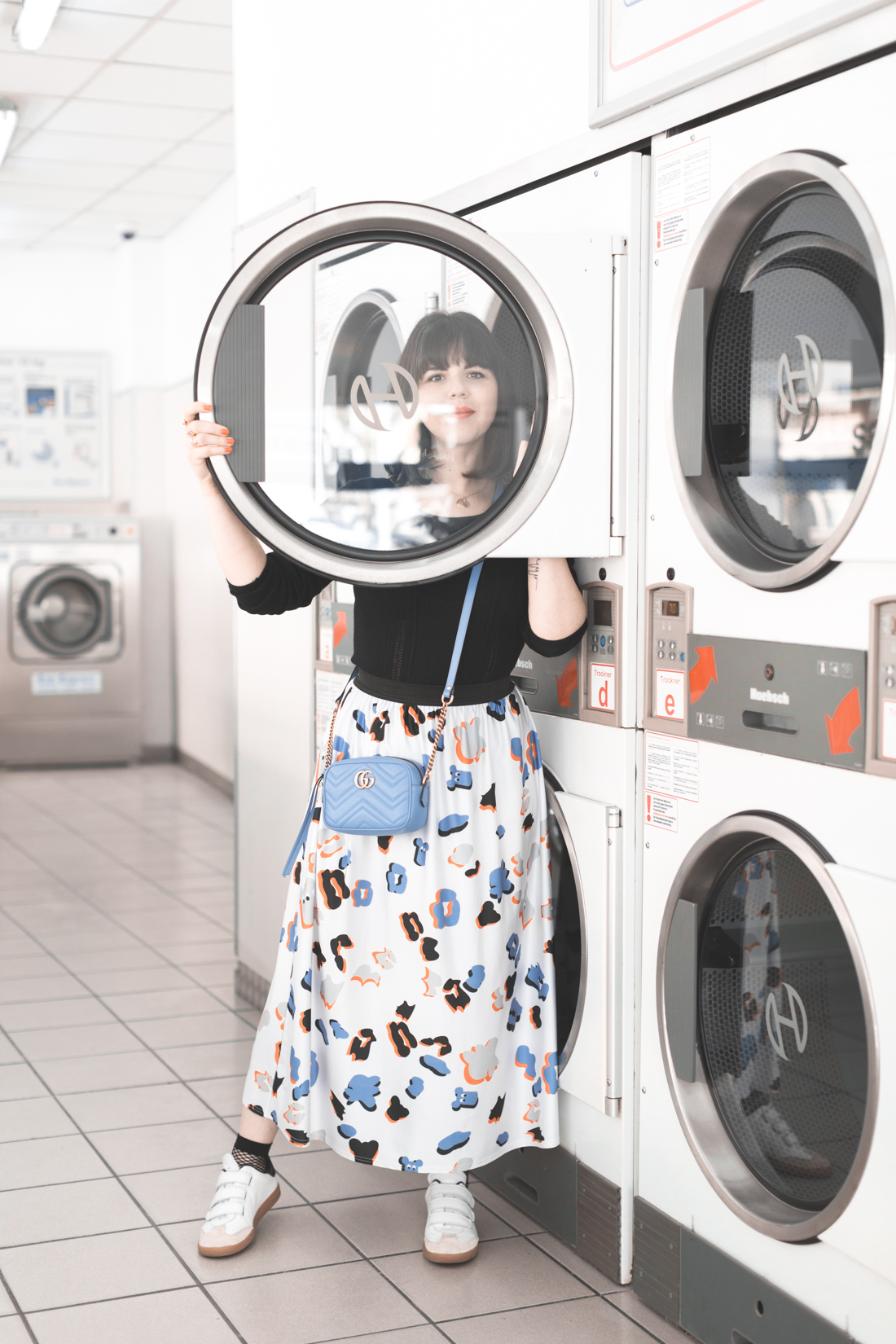 ariel_giles_deacon_blogger_laundromat_photoshoot_copyright_Pauline_Privez_paulinefashionblog_com-14