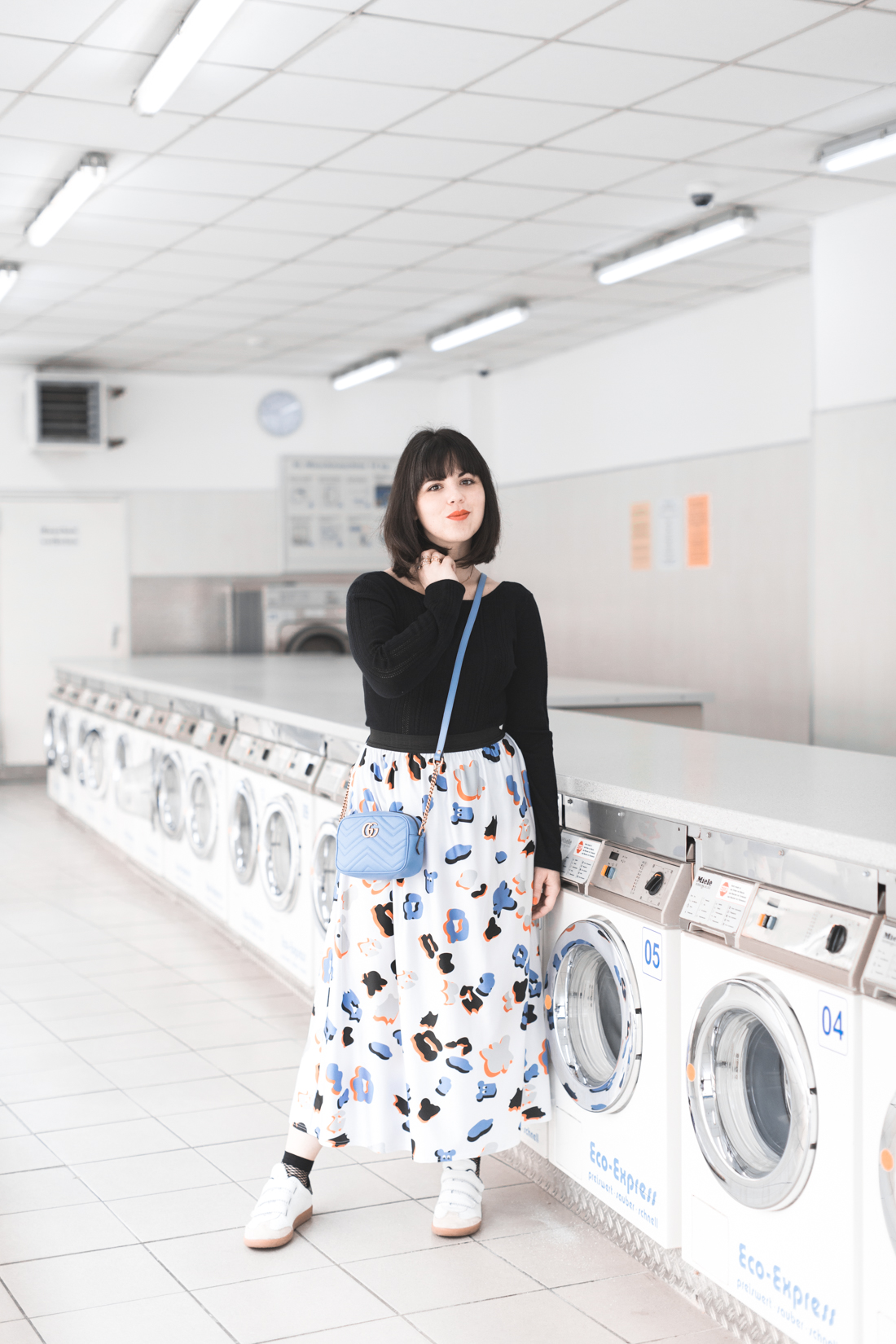 ariel_giles_deacon_blogger_laundromat_photoshoot_copyright_Pauline_Privez_paulinefashionblog_com-2