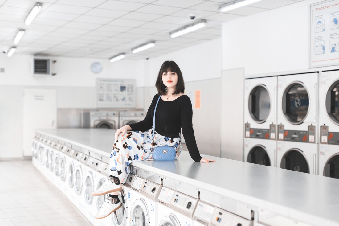ariel_giles_deacon_blogger_laundromat_photoshoot_copyright_Pauline_Privez_paulinefashionblog_com-4