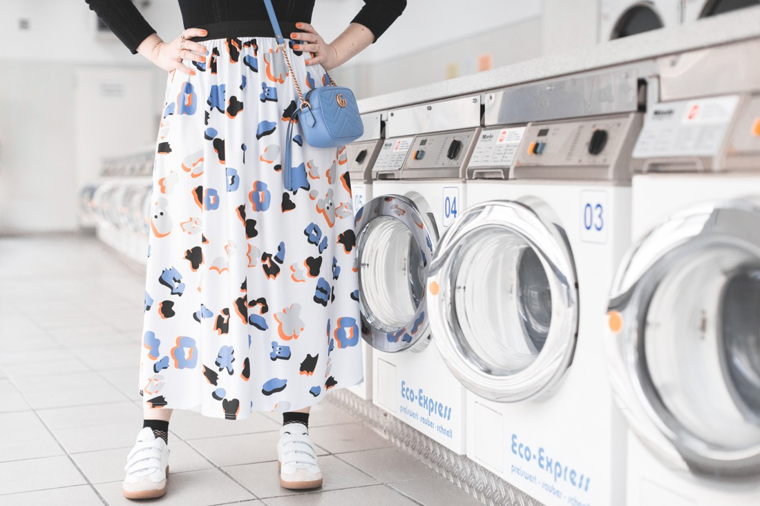 ariel_giles_deacon_blogger_laundromat_photoshoot_copyright_Pauline_Privez_paulinefashionblog_com-7