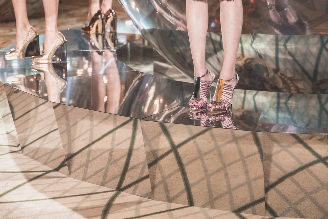 show_paule_ka_mirror_photographe_pauline_privez_copyright_paulinefashionblog_com-2