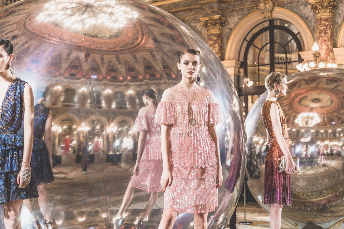 show_paule_ka_mirror_photographe_pauline_privez_copyright_paulinefashionblog_com-4-2