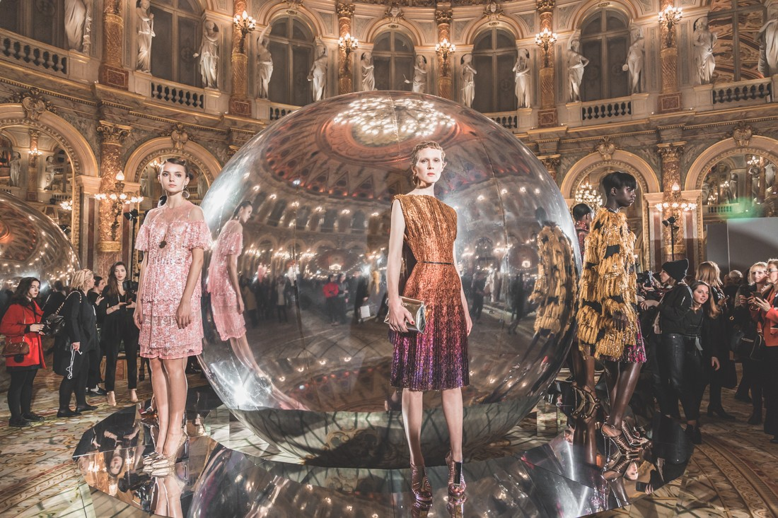 show_paule_ka_mirror_photographe_pauline_privez_copyright_paulinefashionblog_com-47