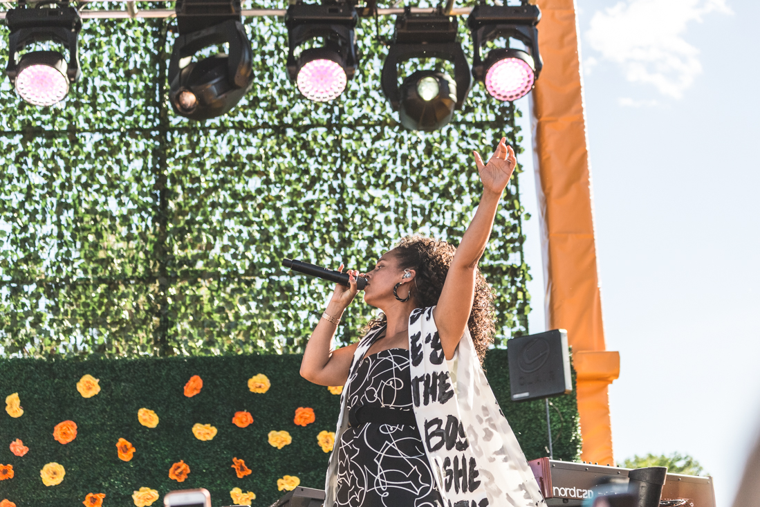 alicia_keys_concert_at_veuve_clicquot_polo_classic_new_york_vcpc10_10th_anniversary_copyright_Pauline_Privez_paulinefashionblog_com-6